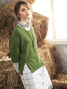 私人衣橱女装绿色开叉针织衫