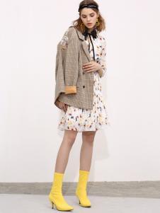 百图女装18时髦格子外套