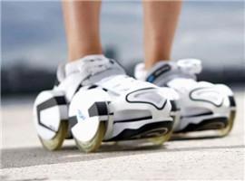 国外发明轮滑鞋套,穿上就能跑起来