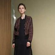 布兰雅秋季新品带来丝绸的时尚穿搭
