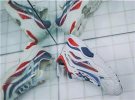 巴黎走秀鞋款李宁极光·天行即将发售