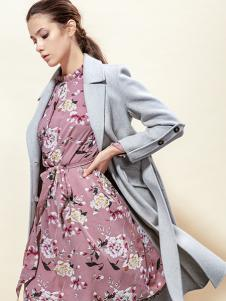 蔓露卡新款时尚印花连衣裙