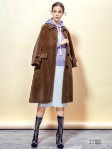 蔓露卡新款焦糖色大衣