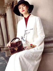 衣佰芬白色宽松大衣