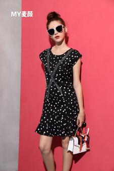 麦颜女装黑色波点连衣裙