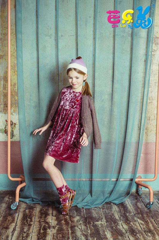 时尚潮流风尽在芭乐兔童装品牌