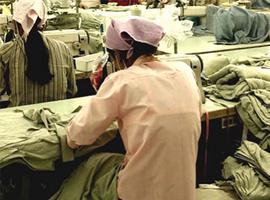 "H&M等快时尚巨头劳工纠纷不断 服装业面临""现代奴隶"""