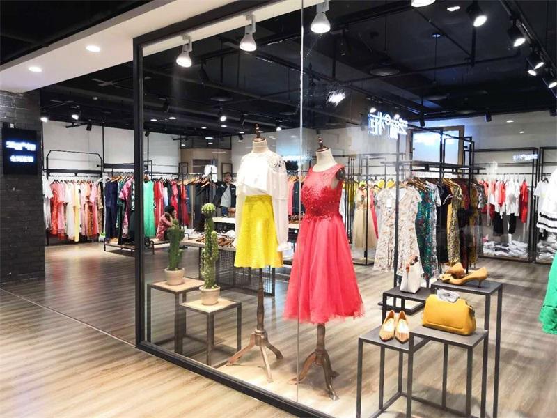 芝麻e柜女装品牌折扣一手货源供应