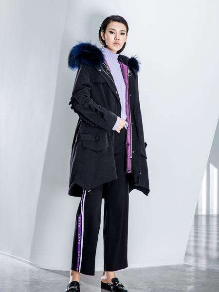 ECA女装18黑色羽绒服