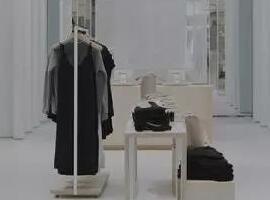 美国奇葩服装店!成本公开,从不打折,成立5年估值2.5亿!