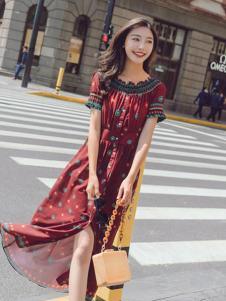 美丽淘女装红色印花连衣裙