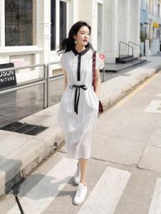 美丽淘女装白色收腰连衣裙