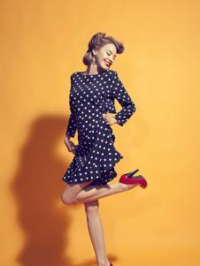 美丽淘女装黑色波点连衣裙