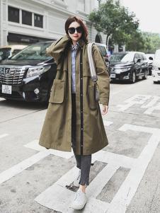 贝左女装绿色长款宽松风衣