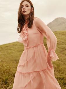 2018季候风女装新款粉色连衣裙