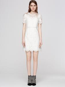 2018季候风白色修身连衣裙