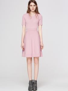 2018季候风女装粉色连衣裙