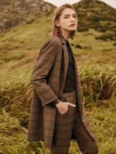 2018季候风女装新款格子外套
