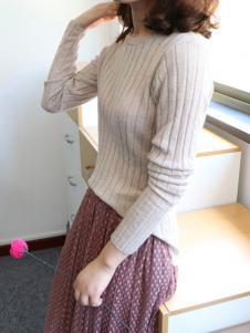 绒暖家家女装杏色条纹针织衫