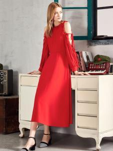 村上春红色连衣裙