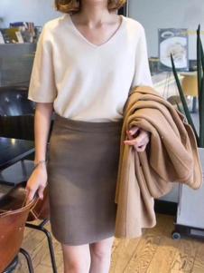绒暖家家女装白色休闲针织衫