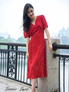 Lutino Luxe女裝紅色時尚連衣裙