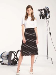 L+女装黑色圆点开叉半身裙