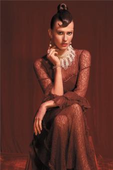 斐格思红色蕾丝连衣裙