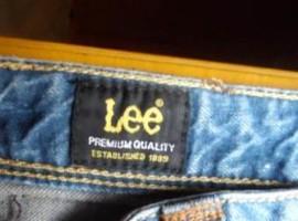 业绩不断下滑 Lee母公司欲剥离牛仔业务