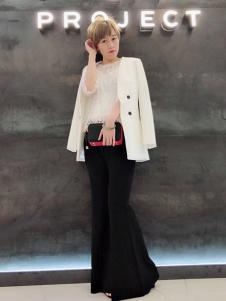 A.WPROJECT女装白色西装外套