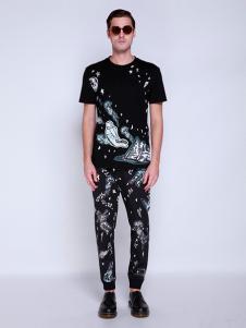 BELMAR男装黑色印花T恤