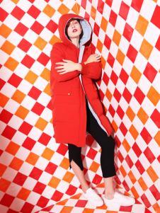 依路佑妮18新款红色羽绒服