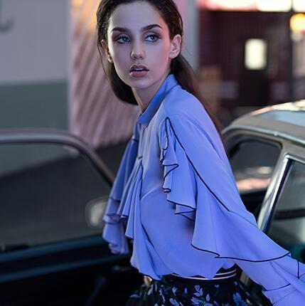 轻经典时尚女装品牌,卡蔓女装助您加盟创业无忧!