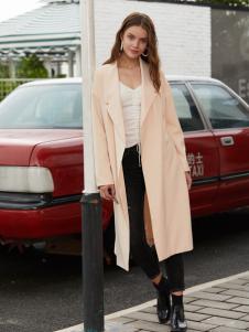 2018贝珞茵时尚外套