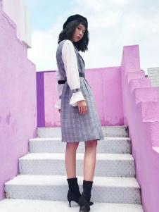2018艾米女装格子裙两件套