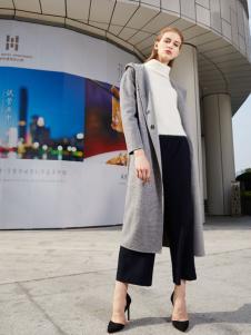 2018迪奥女装灰色长款大衣