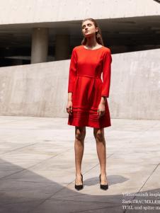 2018迪奥女装诱惑红色连衣裙