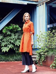 留仙儿女装橘黄色长款衬衫连衣裙