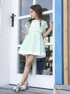 可爱贝比童装浅绿色时尚套装