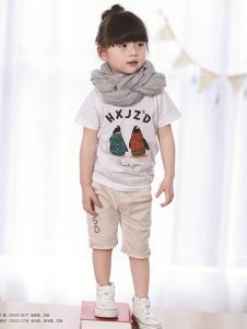 厚兴家族童装杏色印花T恤