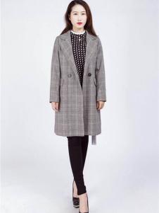 阿莱贝琳格子外套