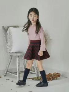 小嗨皮童装女童粉色上衣