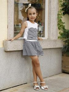 可爱贝比童装黑白条纹女装套装