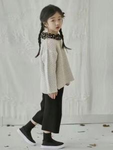 小嗨皮童装女童针织上衣