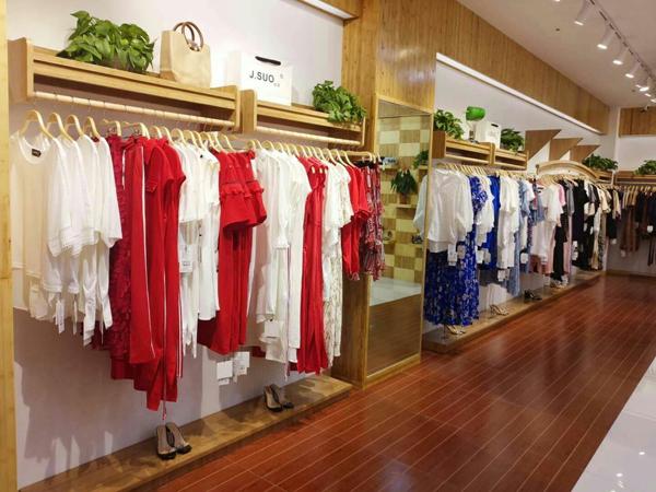 J.SUO寂索时尚女装形象店品牌旗舰店店面