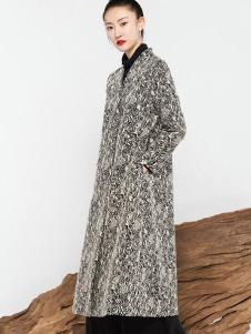 莫名女装灰色休闲外套