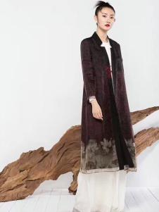 莫名女装紫红色长款外套