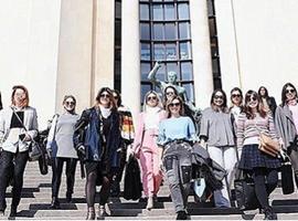 巴黎这个时尚旅行的生意给了小众设计师推广机会