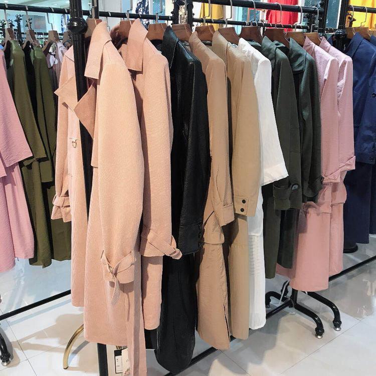 芝麻衣橱品牌折扣女装尾货一手货源供应