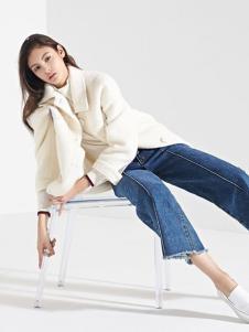 LUDICO女装白色宽松短款大衣